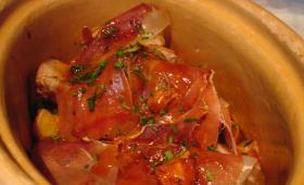 Côte de porc rôtie et jambon de Bayonne.