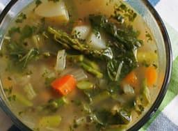 Bol de bouillon de légumes