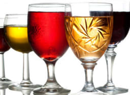 Différents verres et boissons