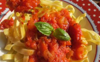 Tagliatelle, Sauce aux Tomates Fraîches, «tout fait maison»