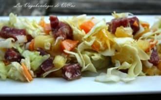 Salade au chou et ananas