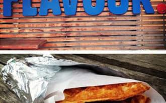 Tacos de gaufres d'avoine aux œufs brouillés et saucisses
