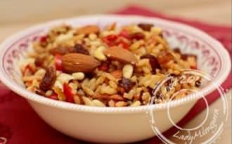 Riz à l'orientale aux poivrons, épices et fruits secs