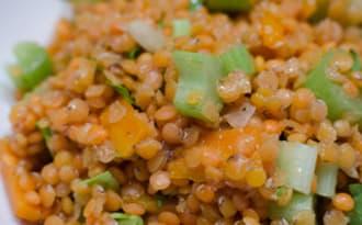 Salade de lentilles corail, aux carottes et au céleri