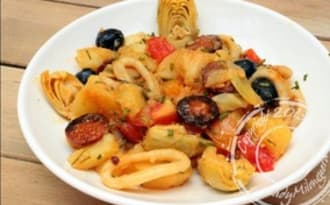Salade de pommes de terre au calamar, chorizo et artichaut