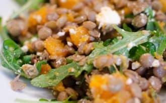 Salade de lentilles à la courge butternut et à la feta
