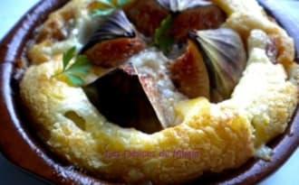 Petits clafoutis au jambon de Bayonne, figues, et Ossau-Iraty