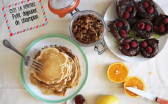 Petit-déjeuner de champion: financiers, pancakes & granola