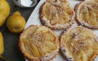 Tartelettes fines aux poires,coing et noisettes