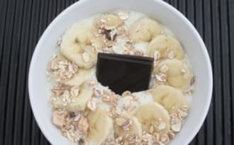 Smoothie bowl chocolat banane amande