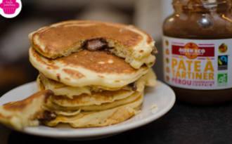 Pancakes au cœur de pâte à tartiner coulant