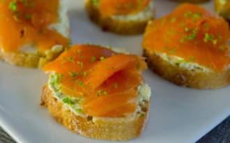 Toasts truite fumée wasabi et citron vert