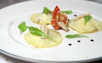 Ravioles ouvertes de céleri aux crevettes et cèpes