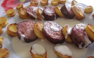 Saucisses de Morteau, pommes duchesse au Mont d'Or