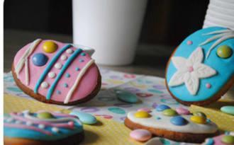 Biscuits sablés à la vanille, pâte d'amandes et Smarties