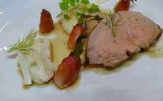 Filet mignon de veau cuit au foin et sa sauce Pitacou mandarine de Nice, purée de choux fleur