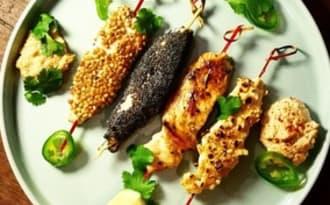 Brochettes de poulet et leur sauce satay