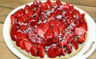 Tarte aux fraises sur sa panna cotta coco