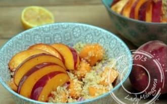 Salade de quinoa à la nectarine, melon et basilic