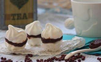 Meringues au chocolat et à la confiture d'azukis