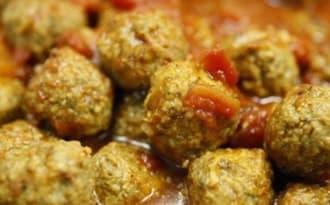 Boulettes de viande, arôme citron, sauce tomates crème basilic