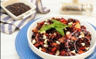 Salade de riz noir à la grecque