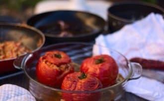 Tomates farcies aux encornets et au chorizo