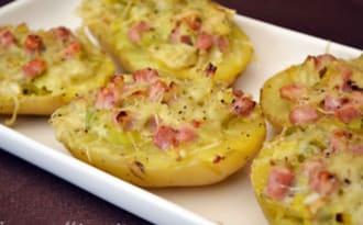 Pommes de terre farcies au jambon et à la fondue de poireaux