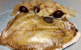 Filets de Saint Pierre au fenouil et aux olives noires.