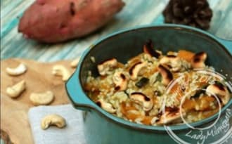 Riz au curry de courgettes, patates douces et noix de cajou