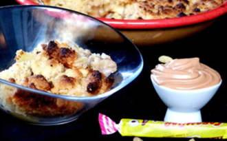 Crumble pommes, banane, cardamome et chantilly de carambar