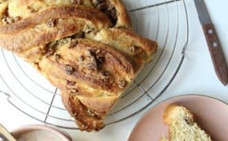 Babka aux noix de pécan idéale pour le petit déjeuner