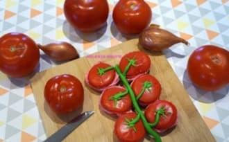 Macarons trompe l'oeil, grappe de tomates