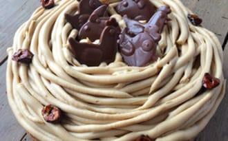 Nid de Pâques praliné et chocolat blond