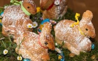 Lapins de Pâques et lammele, l'Agneau Pascal