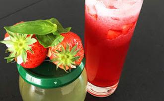 Mocktail hibiscus, fraises et basilic