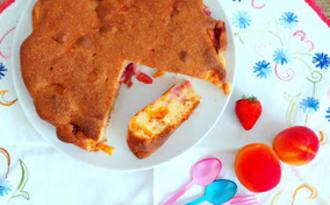 Gâteau abricots - fraises