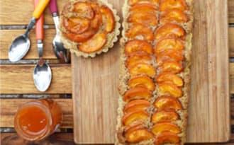 Tarte aux abricots et crème de noisette