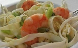 Salade chou, crevettes et kiwi