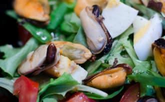 Salade de crudités aux moules