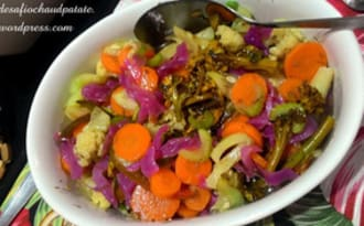 Salade aigredouce aux légumes de saison