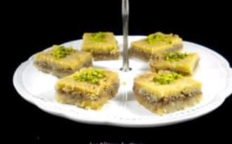Petits gâteaux de semoule aux noix
