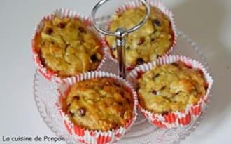 Muffin aux flocons d'avoine, banane, pomme et pépites de chocolat