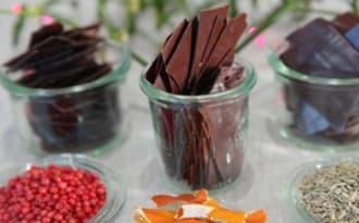 Fines feuilles de chocolat noir au Mycryo et aux huiles essentielles