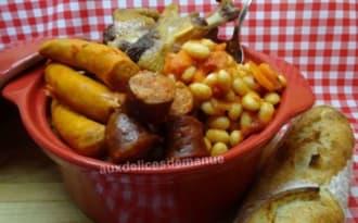 Haricots coco aux saucisses et manchons de canard