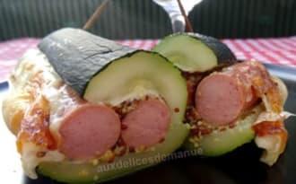 Hot-dog de courgette aux saucisses de poulet