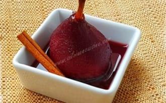Poires au vin rouge et crème de Cassis