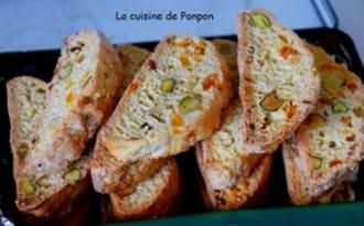 Biscotti aux pistaches et pépites d'abricot