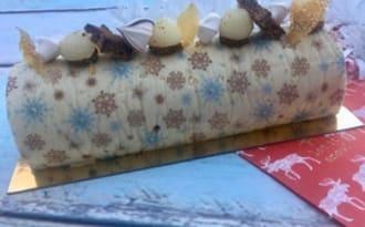 Buche de Noël aux poires caramélisées et Dulcey