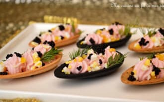Fines coquilles au tarama et oeuf mimosa